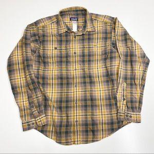 Patagonia Men's Button Down Flannel Shirt Medium